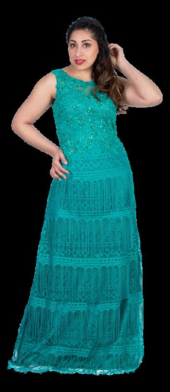 e60ac468e Delicado vestido largo con flecos de Evassé by Costura Europea. Modelo  verde esmeralda con falda de volantes en flecos y cuerpo de guipur bordado.